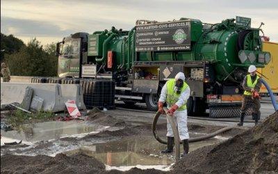 Dépollution assainissement nettoyage suite déversement solvant sur autoroute de Nimy